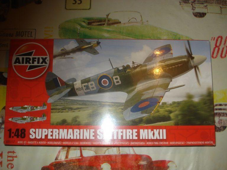 Några modeller till salu! Spitfire_mkxii_48th_for_sale-768x576