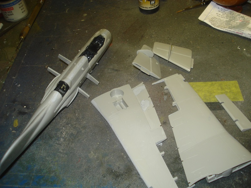 Fuselage and wings ready for assembly.