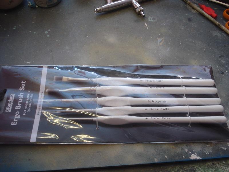 Ergonomic brushes