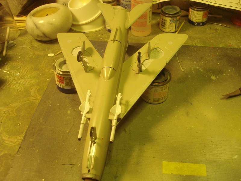 Landing gear and missiles added